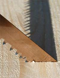Cutting Straight Lines With Saws